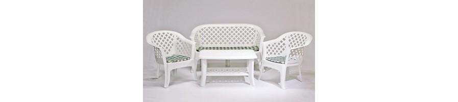 Пластмасови маси и столове за Градината
